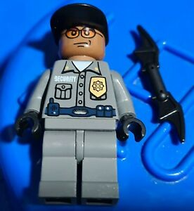 Genuine Lego DC BATMAN security guard Minifigure from 7785 bat019 displayed only
