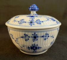 New ListingRoyal Copenhagen #239 Blue Fluted Plain Lace Sugar Bowl And Lid 1st Qual as is