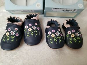 Robeez Stemmed Flowers in Navy sizes 0-6m or 6-12 months