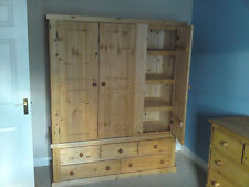 PINE FURNITURE AYLESBURY TRIPLE 5 DRAWER WARDROBE WITH 3 SHELVES SPECIAL OFFER