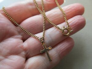 VINTAGE GOLD TONE RELIGIOUS CROSS CHARM & CHAIN 18IN CURB LINK NECkLACE PENDANT
