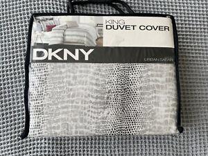"""DKNY Donna Karan """"URBAN SAFARI"""" King Duvet Cover"""