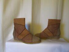bottines couleur pourpre modèle nina cuir façon reptile camel /taupe/marron 37