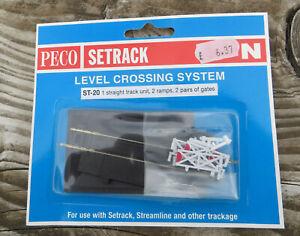 Peco ST-20 N Gauge/Scale Straight Level Crossing