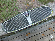 Rover 25 Grille Silver paint & Chrome DHT 100040  69701