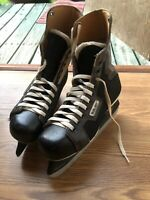 Bauer Junior Supreme Ice Hockey Skates Size 5 made Canada Used