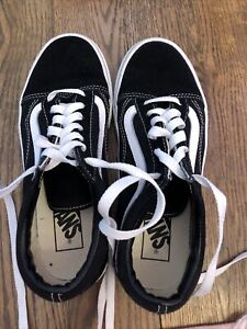 Vans Lace Up kids Size Youth 6.5 Black & White Shoes Sneakers For Girls Or Boys