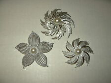 3 Large Vintage SARAH COVENTRY Silvertone & Pearl Flower Brooch Pins