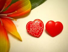 VINTAGE RED OPAQUE GLASS REALISTIC HEART GOOFIE BUTTONS FOLK ART DESIGN