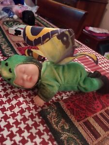 Beautiful Anne geddess green butterfly doll in excellent condition