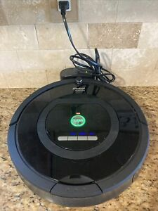 iRobot Roomba 770 Vacuum Cleaning Robot - Black # CR7654 - Works Great