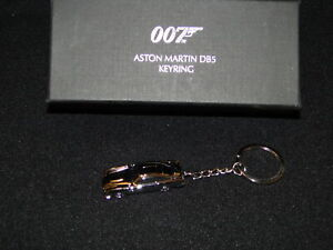 New OFFICIAL ASTON MARTIN DB5 JAMES BOND 007 BOXED METAL KEYRING