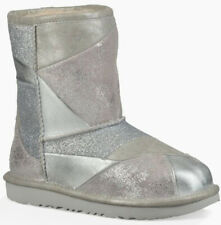Schuhe Stiefel UGG CLASSIC SHORT II PATCHWORK KIDS Stiefel 2019 silver