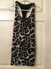 """Ladies Forever 21"""" Size S/P Black And Grey Sleeveless Top! ❤"""