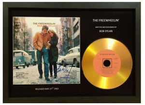 BOB DYLAN -THE FREEWHEELIN'- SIGNED PHOTO WITH GOLD CD COLLECTABLE MEMORABILIA