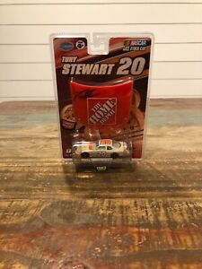 WINNERS CIRCLE 1/64 TONY STEWART #20 HOME DEPOT 2007  DIECAST