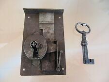 ancienne serrure et sa clef clé à trèfle.de secrètaire. 18-19è.   iron key.