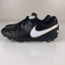 Nike Boys/Girls Youth Size 5.5 Medium Tiempo Soccer Football Cleats