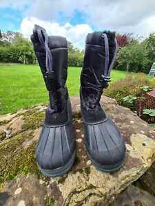Adult unisex apres ski winter boots. Manbi. JASPER. Eur 42. Black. *LAST PAIR*