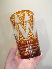 Vase droit en cristal taillé double couche - ambre - bohème ?