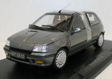 Artículos de automodelismo y aeromodelismo color principal gris Renault de escala 1:18