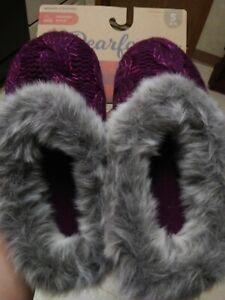 Dearfoam Women's slippers size: Small 5-6 NEW