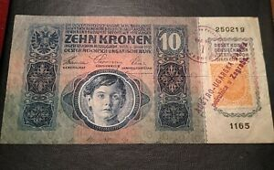 10 KRONEN 1915 WITH BRIEFMARKE STAMP AND OVERPRINT. ⚠️ RARE BEAUTIFUL BANKNOTE