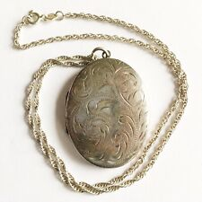 Beautiful Vintage Silver Engraved Patterned Locket & Necklace Fully Hallmarked