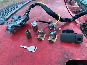 00 CHEVY TRACKER Doors glovebox tailgate IGNITION LOCK CYLINDER SWITCH ASSEMBLY