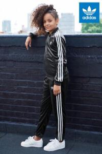 MED  Junior Girls  adidas  LUXE  VELOUR  SUPERGIRL  TRACK JACKET & PANTS  1AVL