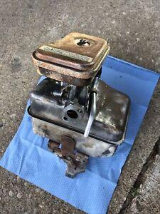 Briggs & Stratton 5hp Engine Gas Tank And Carburetor Model 130202.  (G2/721).