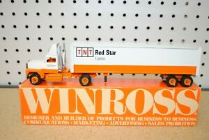 1/64 Winross TNT Red Star Express Semi Tractor Trailer
