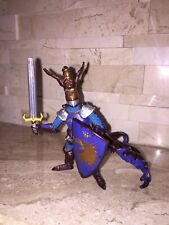 PAPO KNIGHT WITH SWORD AND SHIELD