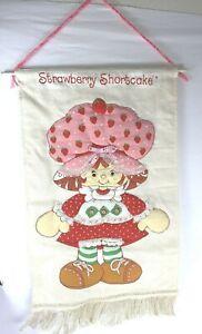 "Strawberry Shortcake Quilted Wall Hanging Googly Eyes 15"" x 25 Fringe"