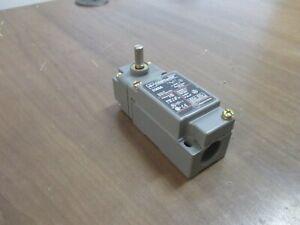 Eaton Cutler-Hammer Limit Switch E50AR1/E50DR1/E50RA/E50SA Ser. A2 Side Rotary
