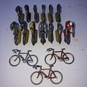 Lot 13 Coureurs Cyclistes en métal type Cofalu + 3 velos seuls Tour De France