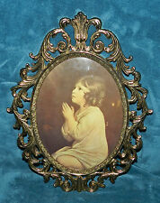 LOVELY ANTIQUE BRASS PHOTO FRAME WITH CONVEX/BUBBLE GLASS! PRAYING GIRL PRINT!