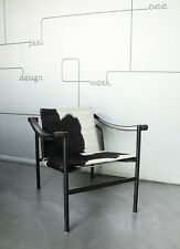 Chaise LC1 Chair by Le Corbusier / Pierre Jeanneret & Charlotte Perriand Cassina