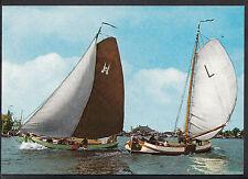 """Shipping Postcard - Friesland - Skutsjes Van """"Leeuwarden"""" en """"Sneek""""   LC5026"""