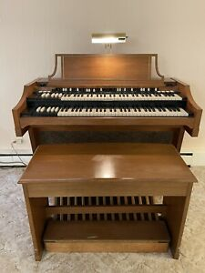 Hammond A-100 Electric Organ With Bench, Pedals, Sheet Music and Light!! NO RES!