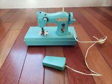 1976 Vintage Holly Hobbie Sewing Machine (Model 5825)