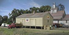 Spur N -- Bausatz kleine Lagerhalle - 3230 NEU