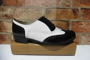 CLARKS NARRATIVE BLACK & WHITE LEATHER LACE UP BROGUES SIZE UK 7.5 E WIDE FIT