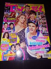 Twist Selena Gomez Rihanna Cosgrove Justice Bruno Mars Britney Ariana Grande