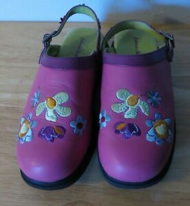 Hanna Andersson Embroidered Clogs Pink Leather Back Strap Size 4 Girls Floral