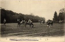 CPA Chantilly-La Pelouse avec chevaux á l'exercice (423642)