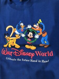 "Walt Disney World ""2000"" Sweatshirt L"