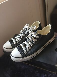 Converse Chuck Taylor All Star Leather Low Top Sneaker - Men's Size 8.5