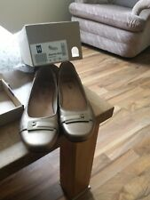 Clarks woman shoes size 6 e Blanche West Gold metallic new in box