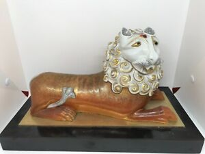 Vintage Oriental Japanese ? Kutani Large decorative Lion figure sculpture rare